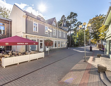 Residential complex with commercial premises 200 meters from the Dzintari concert hall in Jurmala